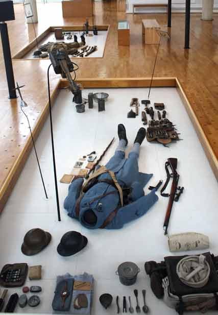 Bodenvitrine im Museum von Peronne