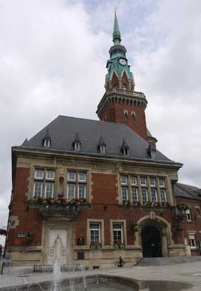 Das Rathaus von Bapaume